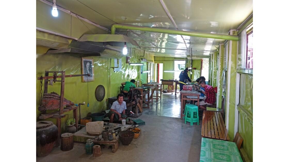 Myanmar Lac Inlé Ywama Atelier d'orfévrerie 3