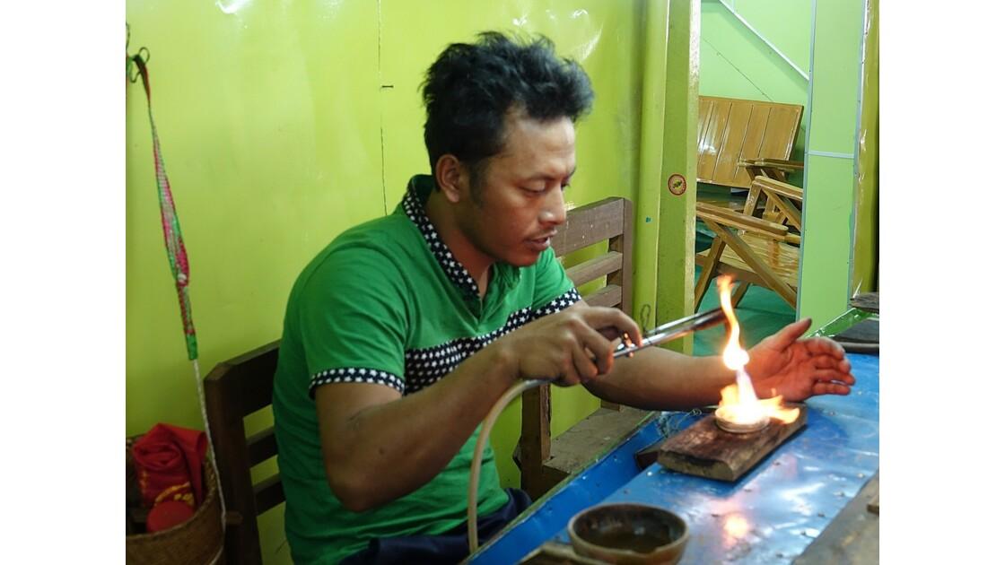 Myanmar Lac Inlé Ywama Atelier d'orfévrerie 2