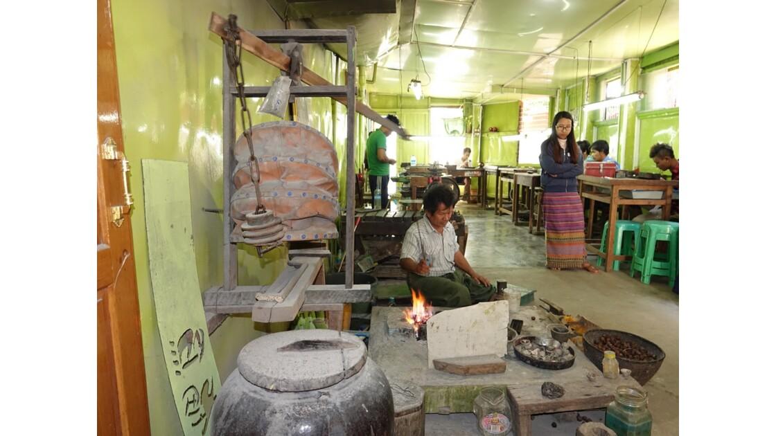 Myanmar Lac Inlé Ywama Atelier d'orfévrerie 1