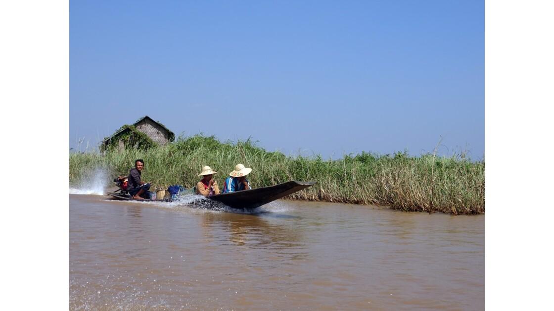 Myanmar Lac Inlé Entre Nampan et Ywama 1