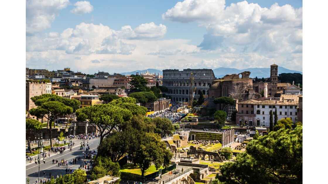 Vue de Rome sur le Colisée