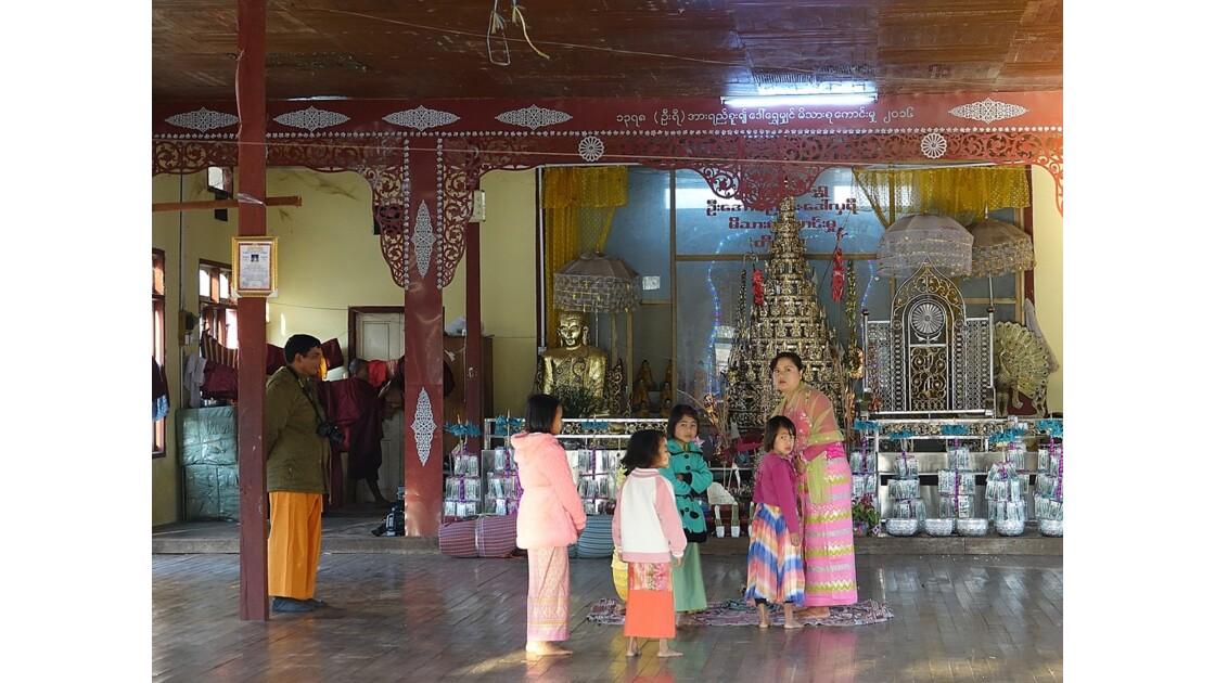 Myanmar Nyaungshwe Autour du Monastère Shwe Yan Pyay 4