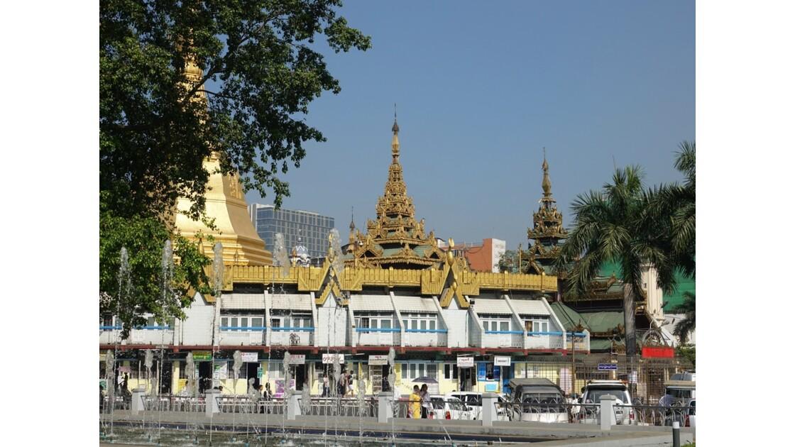 Myanmar Yangon Pagode Sulé vue depuis Mahabandola 1