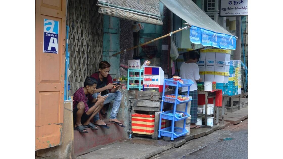 Myanmar Yangon Rue de la Pagode Sulé 3