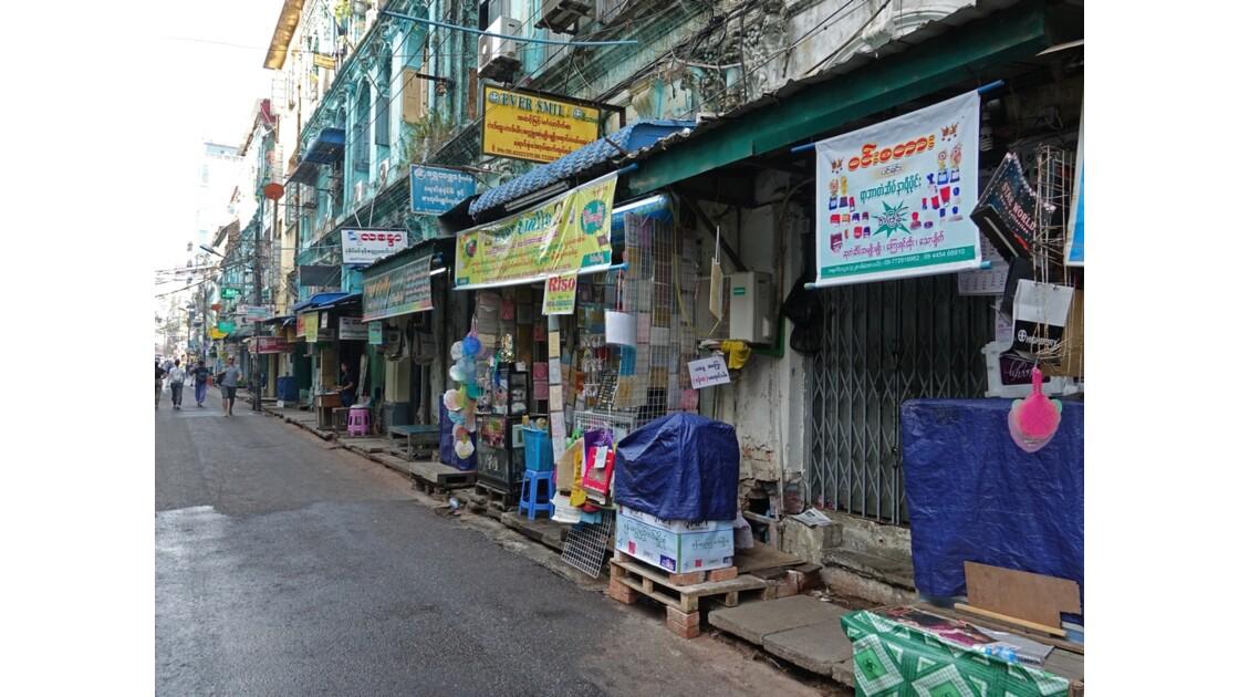 Myanmar Yangon Rue de la Pagode Sulé 4