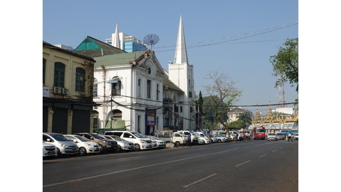 Myanmar Yangon  Eglise Immanuel Batist et Pagode Sulé