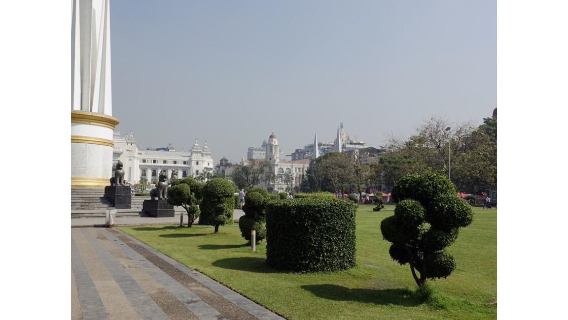 Myanmar Yangon Jardin Mahabandola 1
