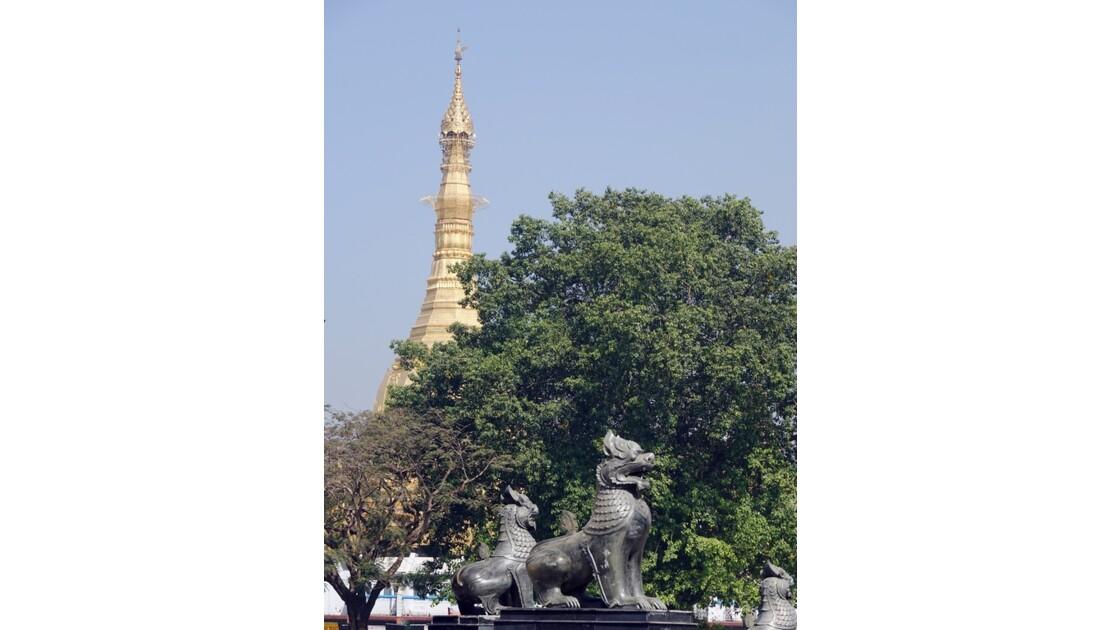 Myanmar Yangon Jardin Mahabandola 3