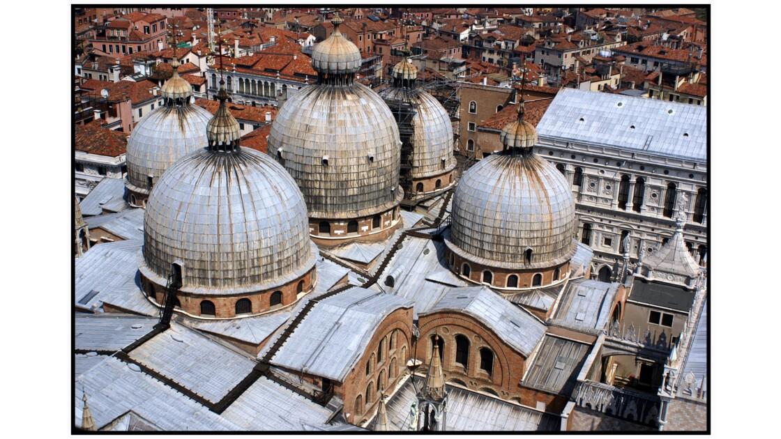 Venise - Dômes de la Basilica di San Marco depuis le Campanile