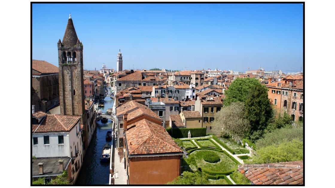 Venise - Rio et Chiesa di San Barnaba