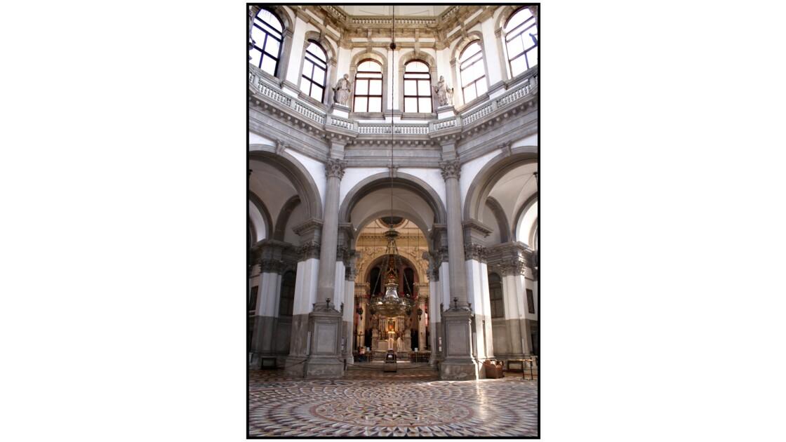 Venise - Cérémonie Dans la Basilica Santa Maria de la Salute