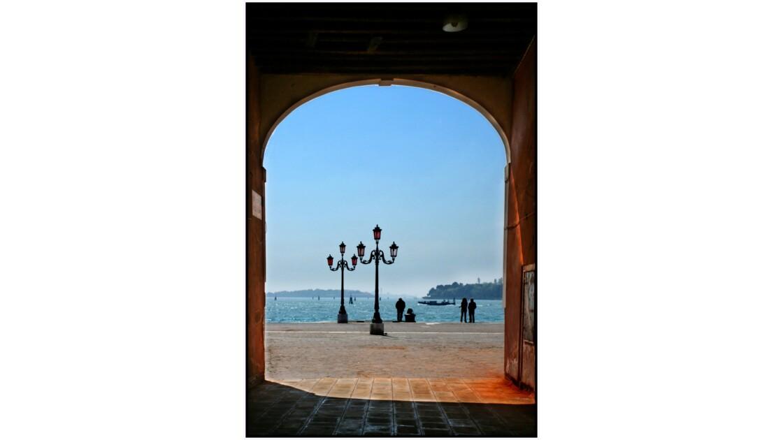 Venise - Riva dei Sette Martiri  depuis Calle de la Colonne