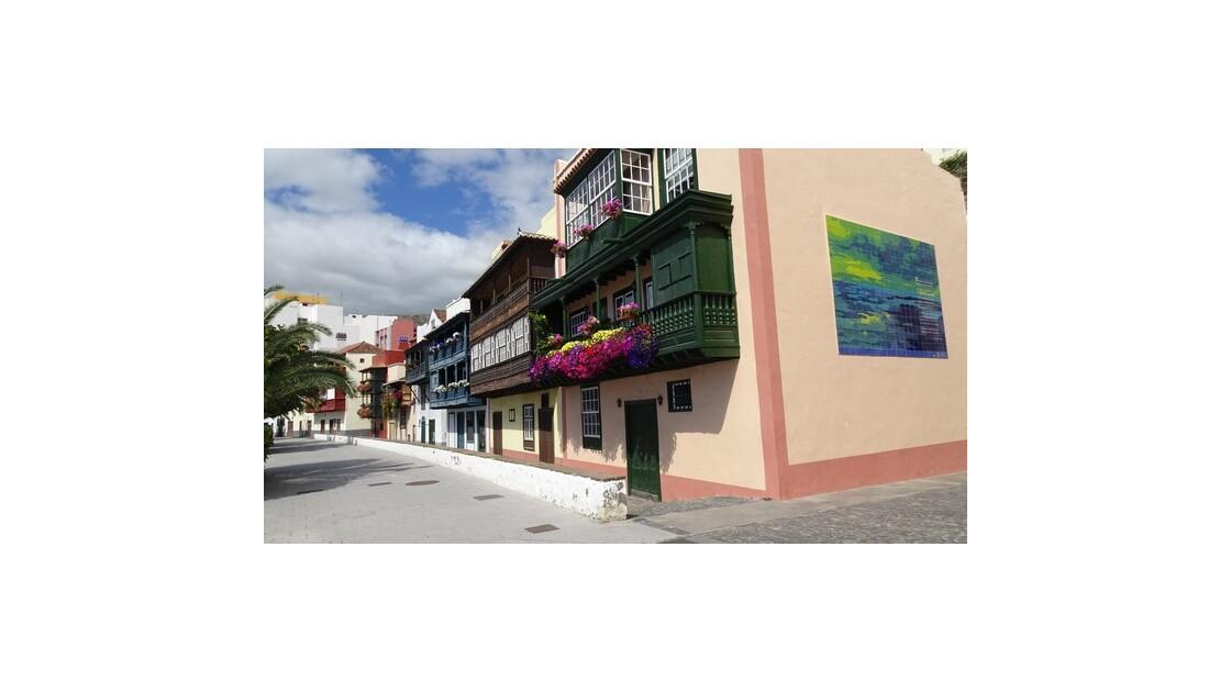 Santa Cruz  de la Palma Maisons le long de l'Avenida Maritima 1