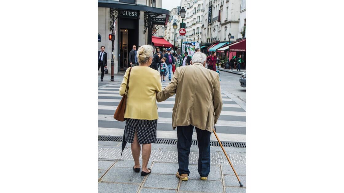 Le dimanche dans les rues de Paris