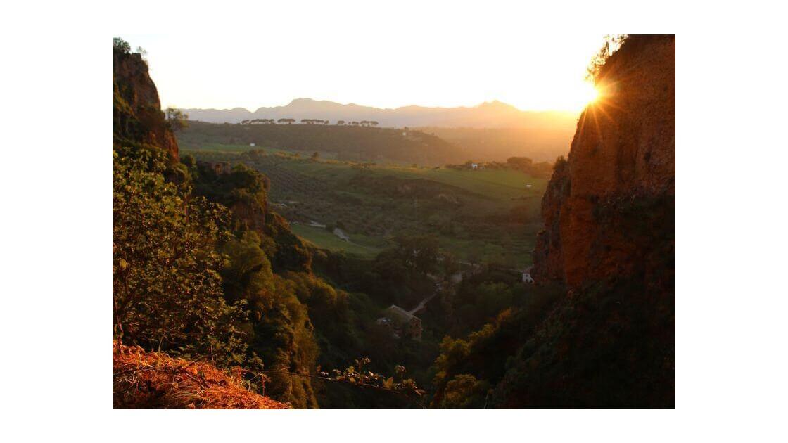 Soleil se couchant sur la Sierra Grazalema