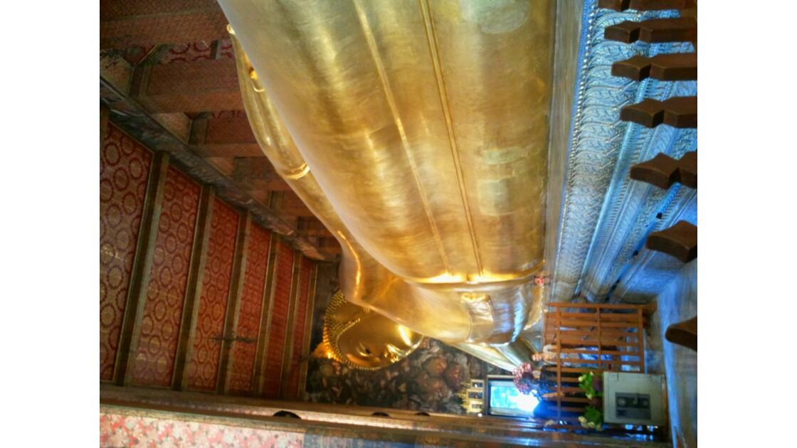 Bangkok  le bouddha couche du Wat Pho