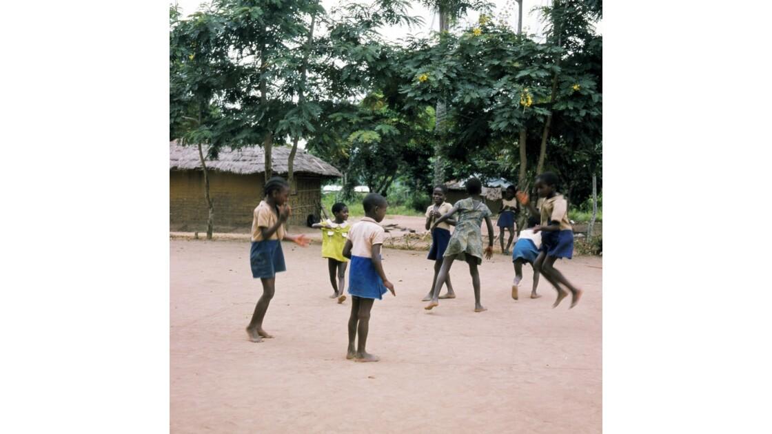 Congo 70 Ecole près de Brazzaville 4