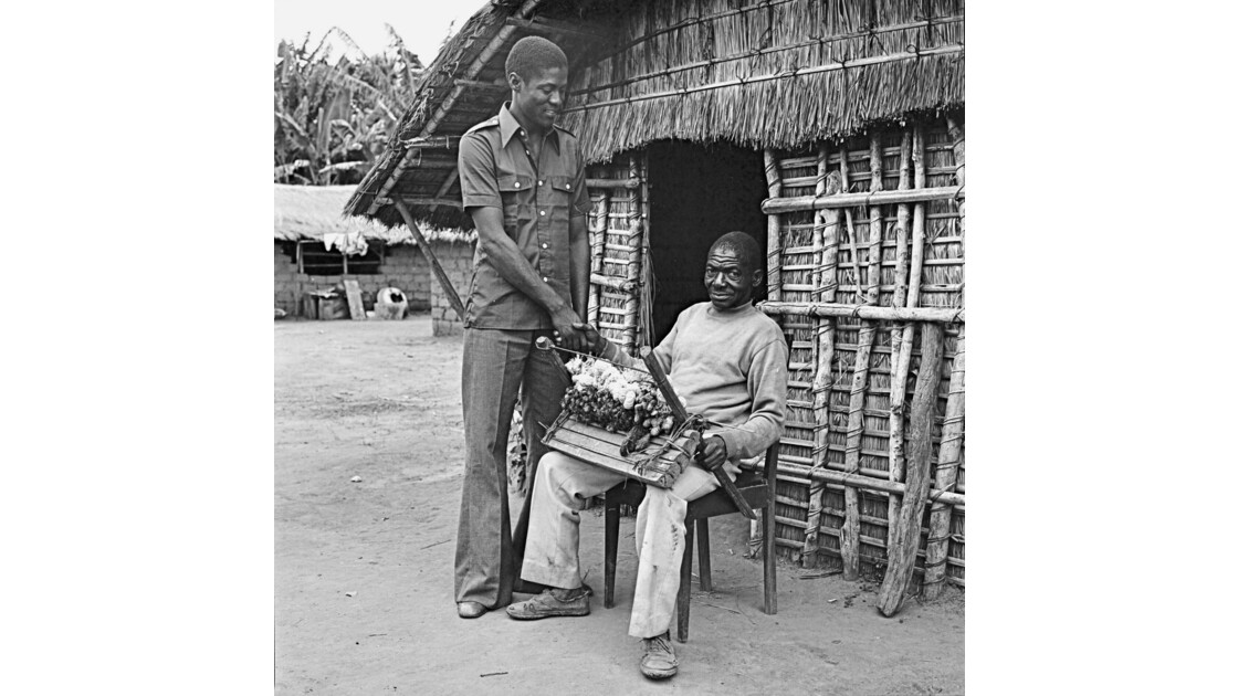Congo 70 Plateaux Téké Le tisserand de Lékana 8