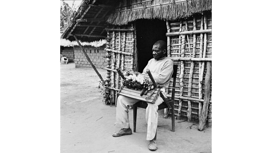 Congo 70 Plateaux Téké Le tisserand de Lékana 9