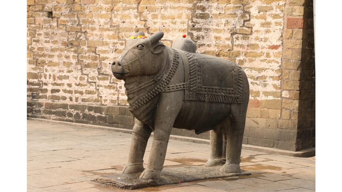 Le temple de Baijnath (Nandi l'élèphant)