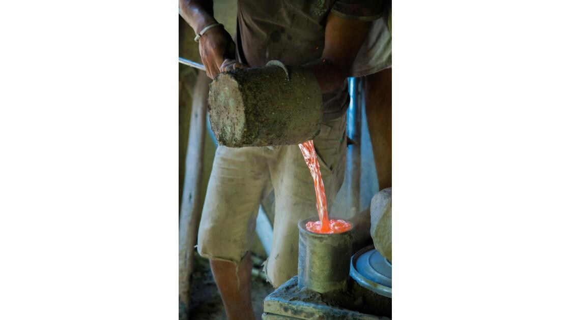 Fabrique de marmites avec de l'aluminium de récupération