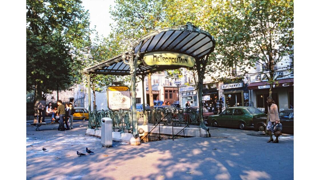 Paris 79 métro « Abbesses » 5
