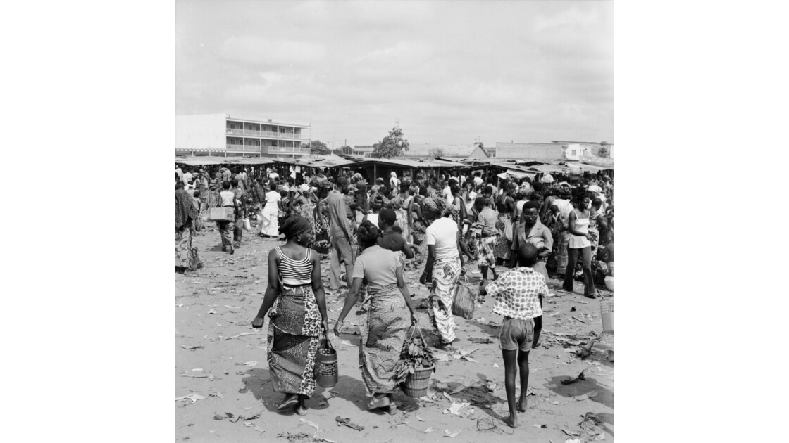 Congo 70 Brazzaville Le marché Total de Bacongo 2