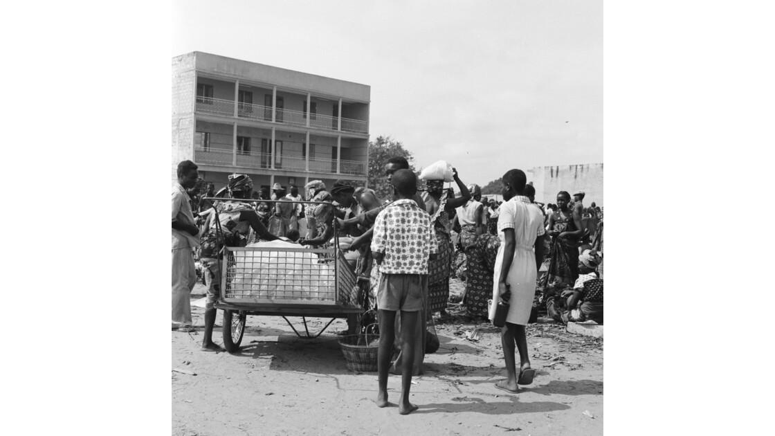 Congo 70 Brazzaville Le marché Total de Bacongo 4