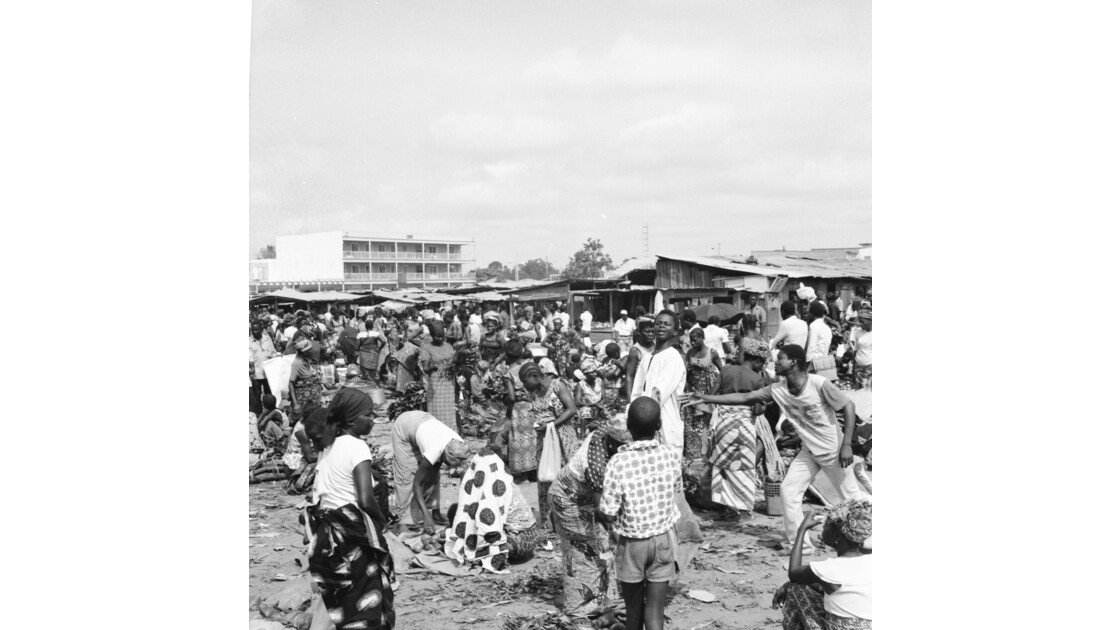 Congo 70 Brazzaville Le marché Total de Bacongo 6