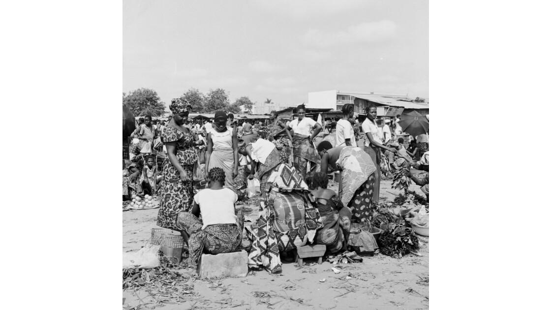 Congo 70 Brazzaville Le marché Total de Bacongo 12