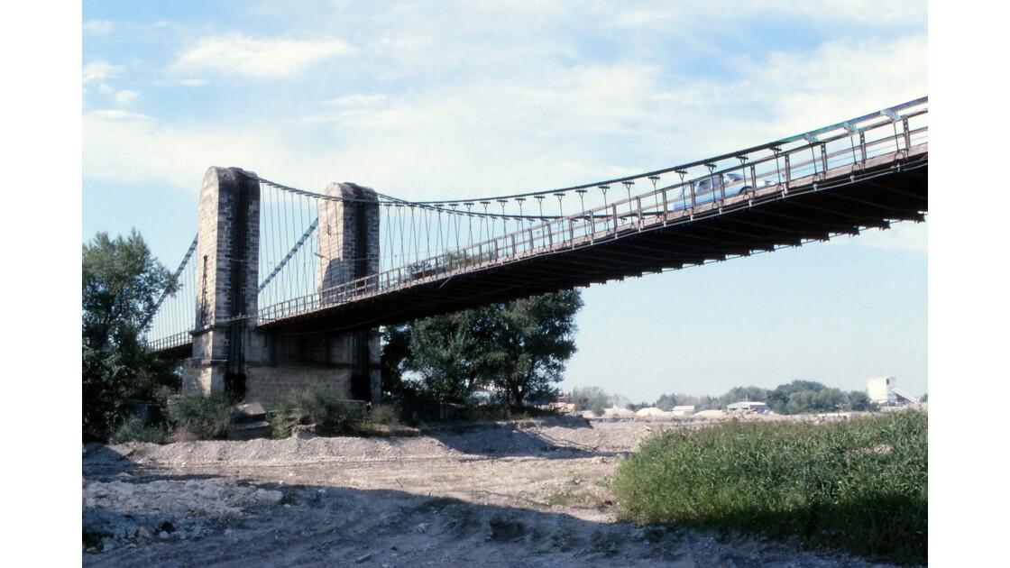 Provence 1979 Mallemort Le vieux pont suspendu 2