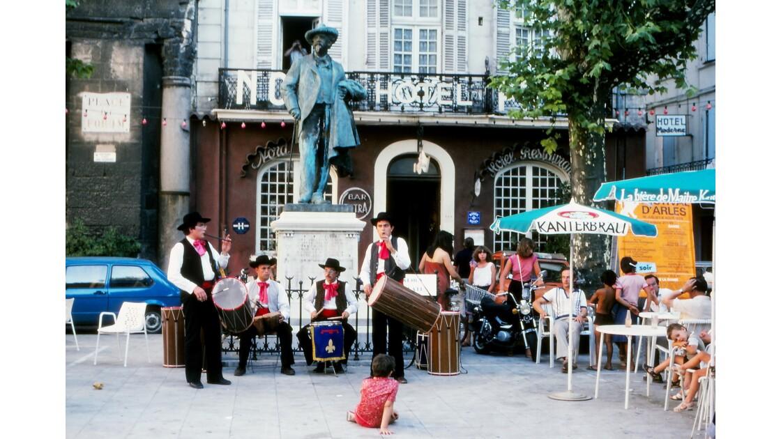 Provence 1979 Arles Statue de Frédéric Mistral