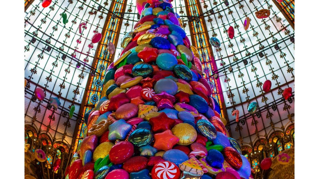 C'est Noël dans les grands magasins parisiens !