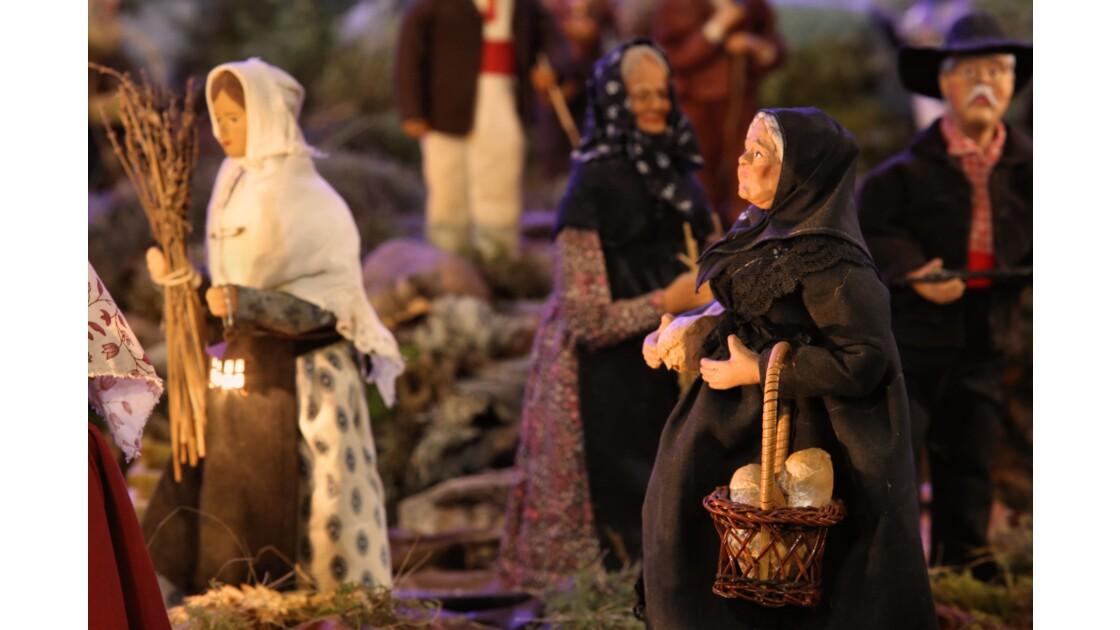 Comme les années précédentes, le petit village de Prunelli-di-casacconi Nous offre a l'occasion des fêtes de la nativité, une superbe crèche qui mêle adroitement la représentation sacrée de cette scène religieuse d'une importance capitale, et la tradition
