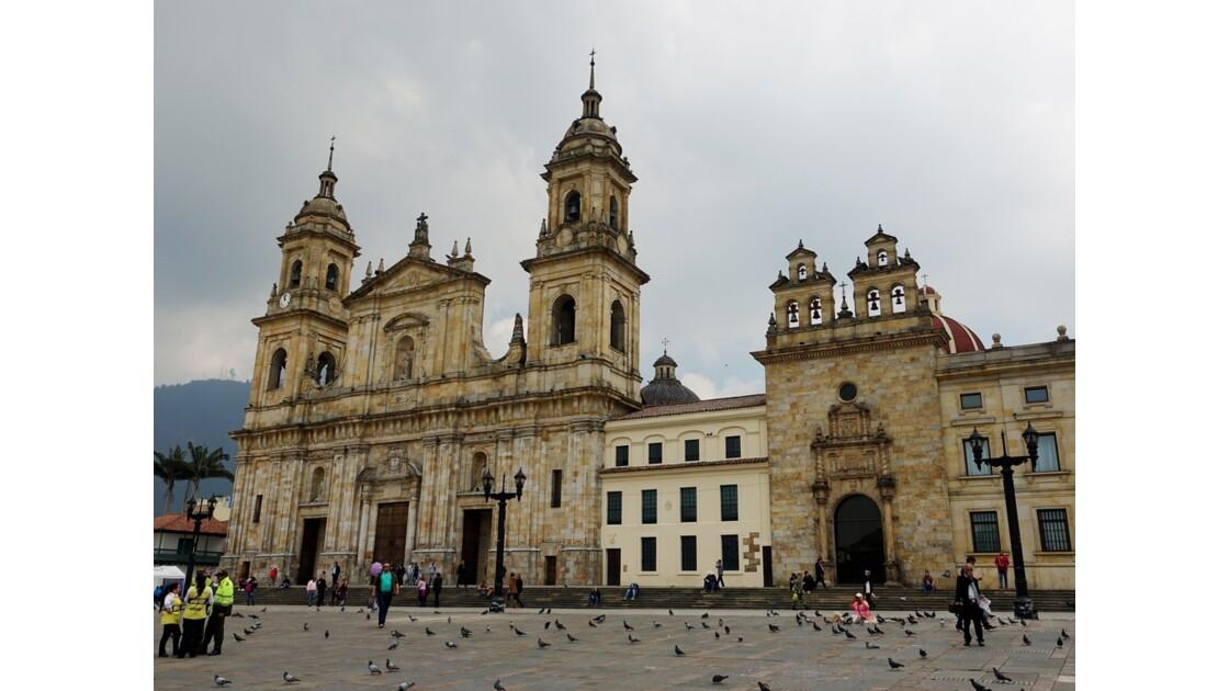 Colombie Bogota Plaza Bolivar La cathédrale et la capilla del Sagrario