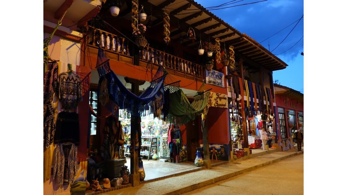 Colombie Les façades de Raquira 2