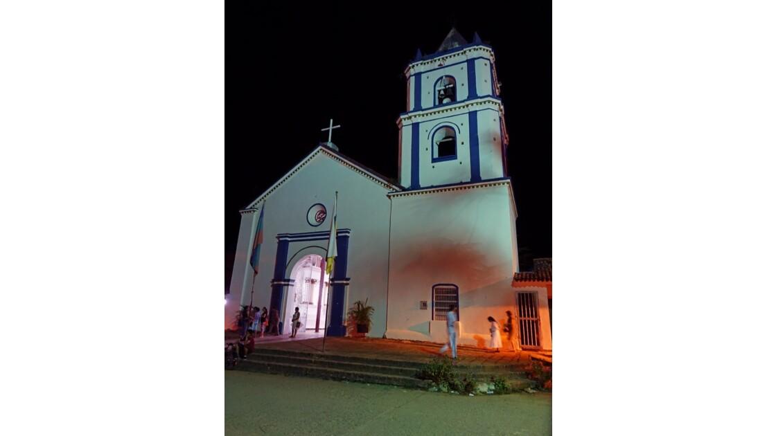 Colombie Villavieja le soir à la Parroquia de Nuestra Señora del Socorro 1