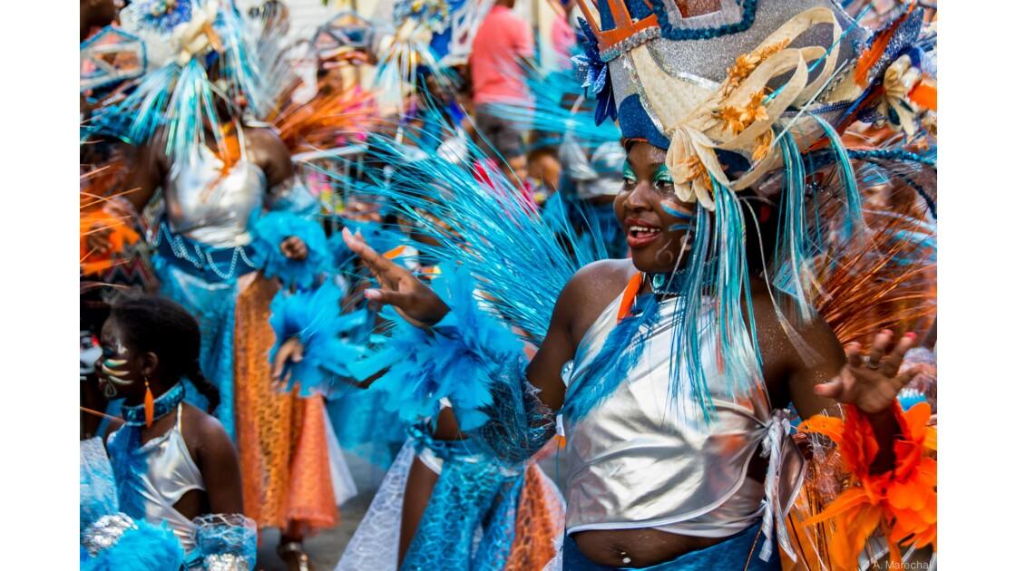 Carnaval haut en couleurs