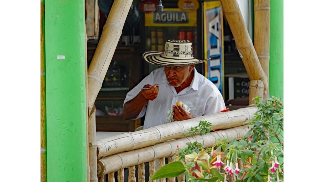 Colombie Petit déjeuner près du Salto del Mortino 2