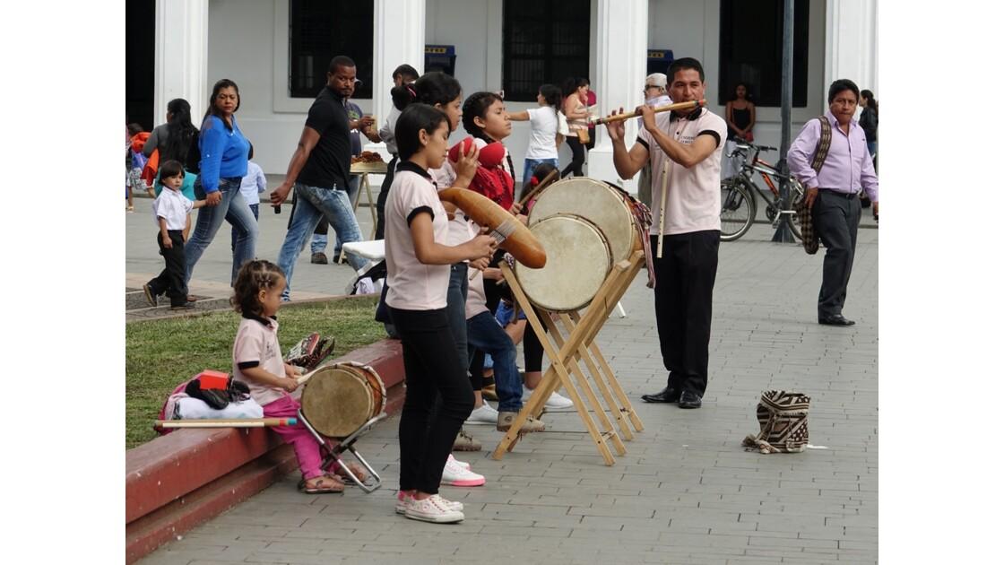 Colombie Popayan Musique au Parque Francisco José de Caldas 1