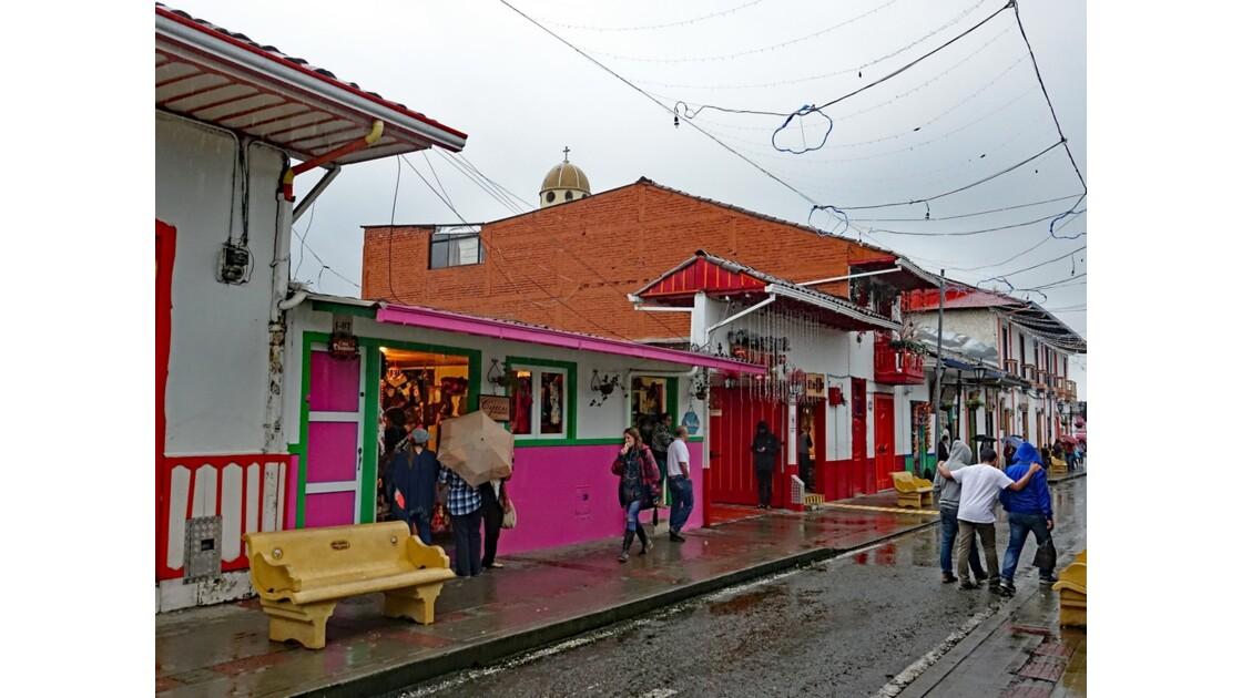 Colombie Salento Calle Real sous la pluie 12
