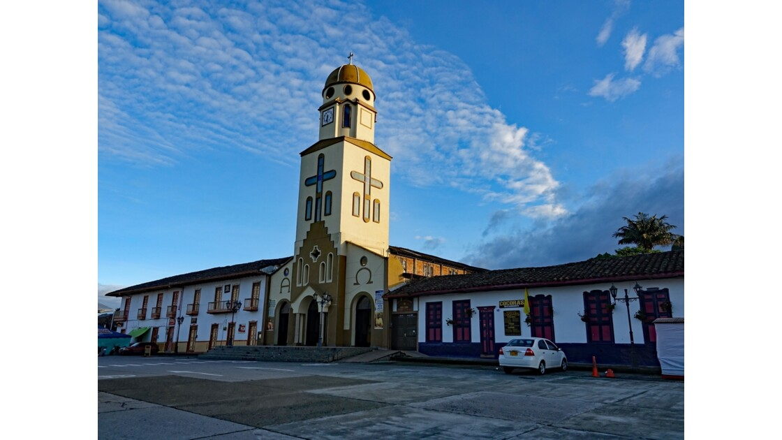 Colombie Salento La place centrale sous la pluie 1