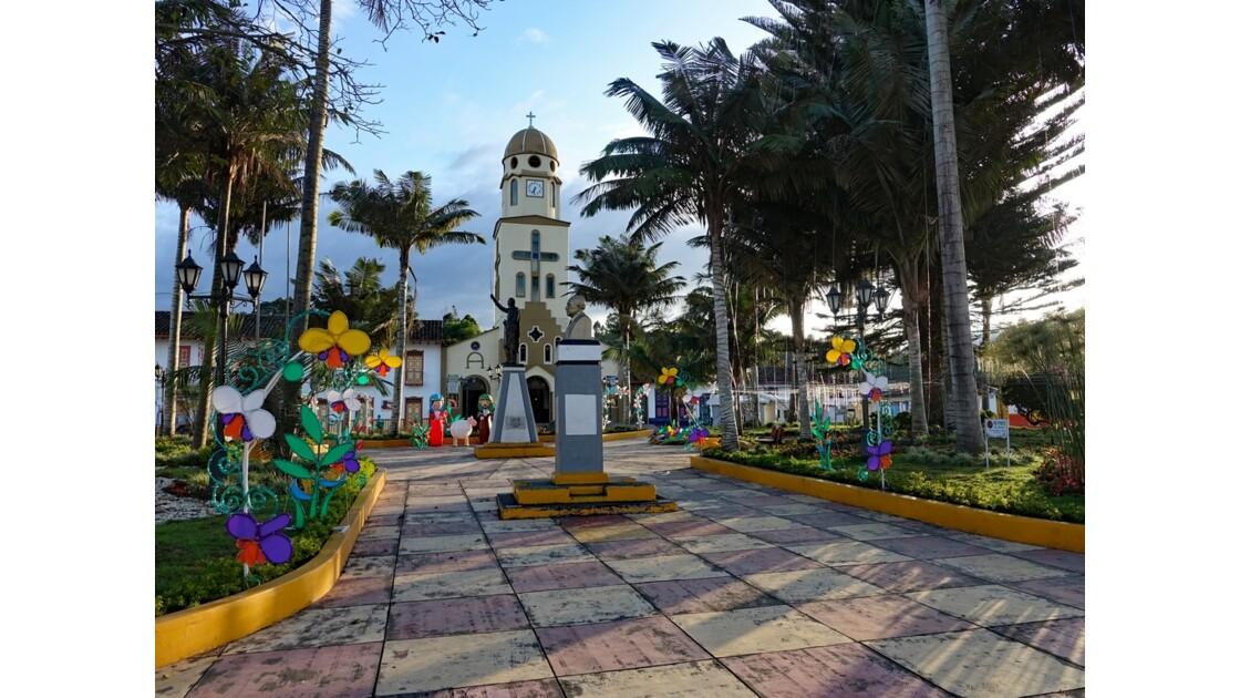 Colombie Salento La place centrale sous la pluie 8