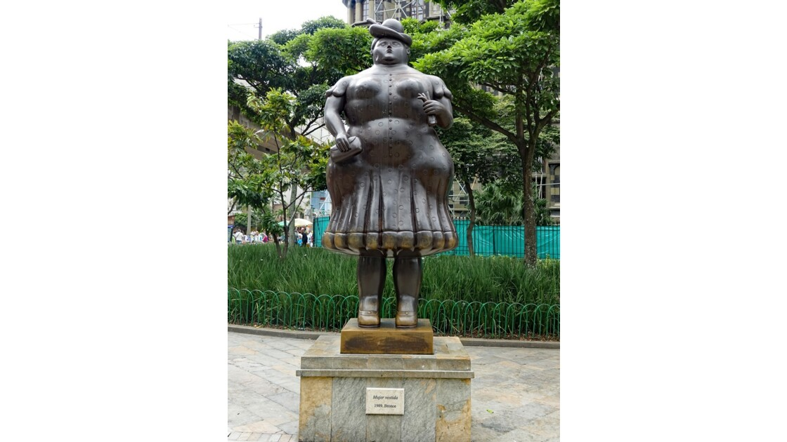 Colombie Medellin Place Mujere vestida