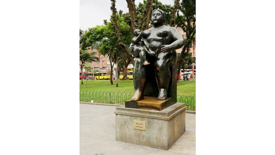 Colombie Medellin Place Botero matrenidad 2