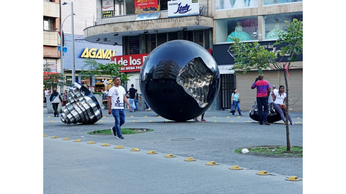 Colombie Medellin Avenida Ayacucho 2