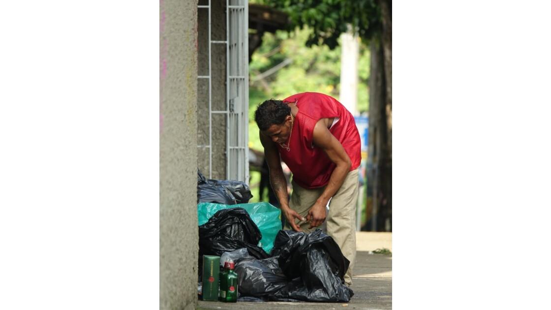 Colombie Medellin El Plobado Les poubelles 1