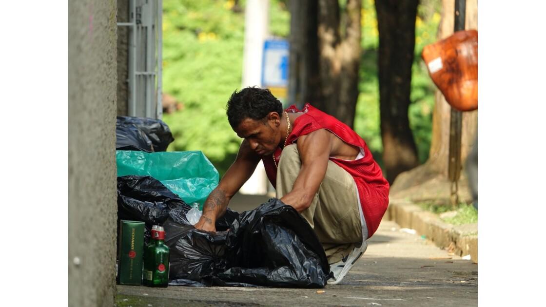 Colombie Medellin El Plobado Les poubelles 2