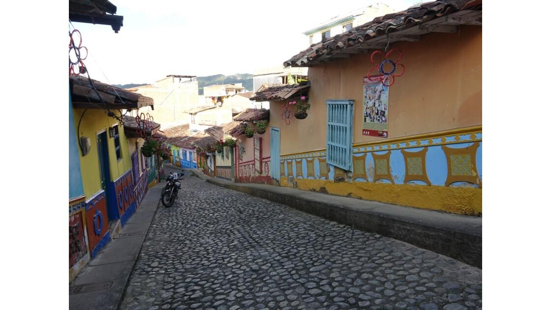 Colombie  Les zocalos de Guatapé 4