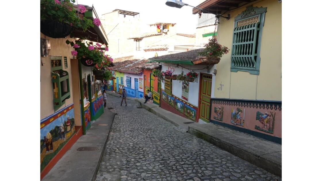 Colombie  Les zocalos de Guatapé 7